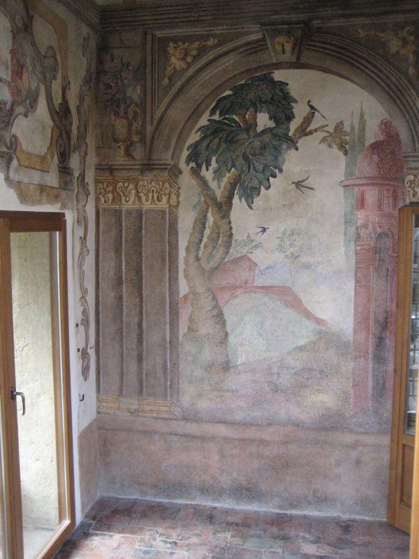Novit su reggia e traghetto nel palazzo ex anselmi for Interno della torretta vittoriana