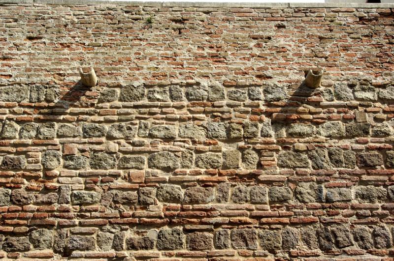 La reggia carrarese le vicende architettoniche for Mattoni e pietra americani